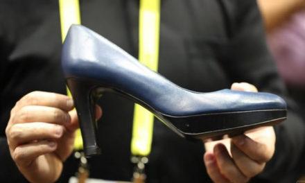 Zapato de dama inteligente con plantilla de calefacción