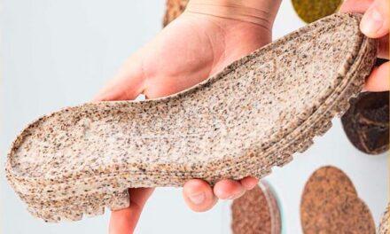 Crean suelas hechas con cascaras de plátano